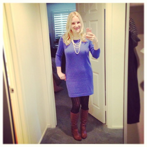 c727c0526 J.Crew celestial blue cashmere tee dress – buy    J.Crew collection lady  four-strand pearl necklace – buy    J.Crew wool-blend ribbed tights     Banana ...